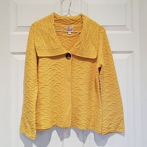 Gold sweater. JM Collection